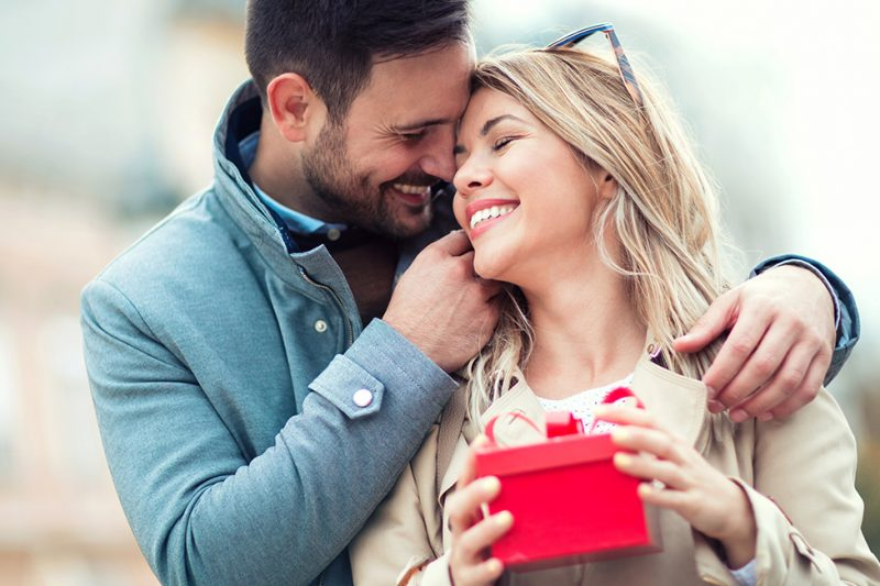 Top birthday gift ideas for your girlfriend featured image